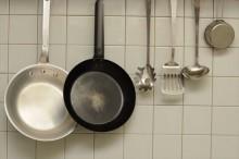 キッチン壁面のタイルは油汚れを落としやすいだけでなく、防火対策として有効な壁面仕上げ